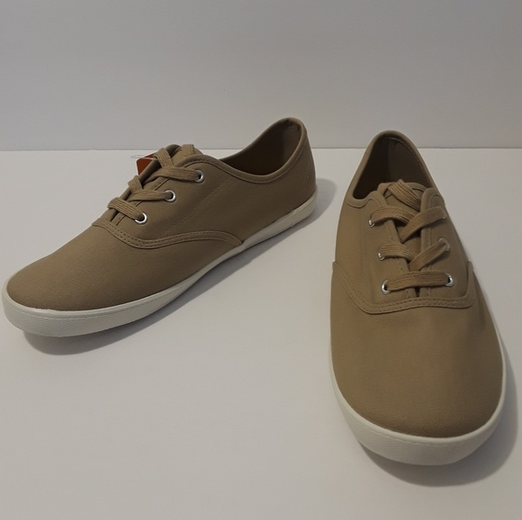 32978582276 Boys Canvas Shoes Size 6 Brand New Tan Vans Like